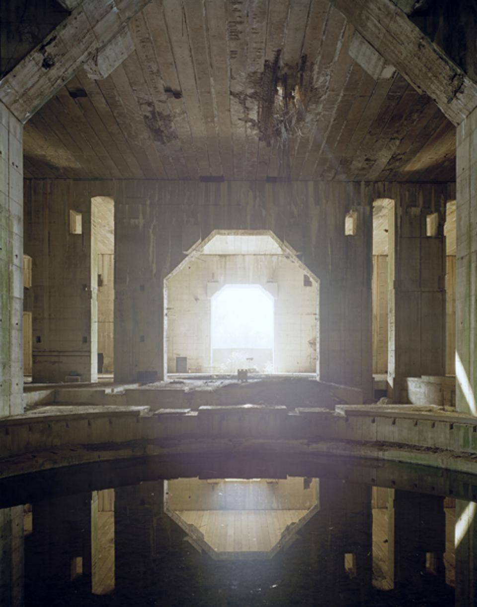 Bunker  04, 2005/06,Digital C-Print on Alu-Dibond,100 x 127 cm