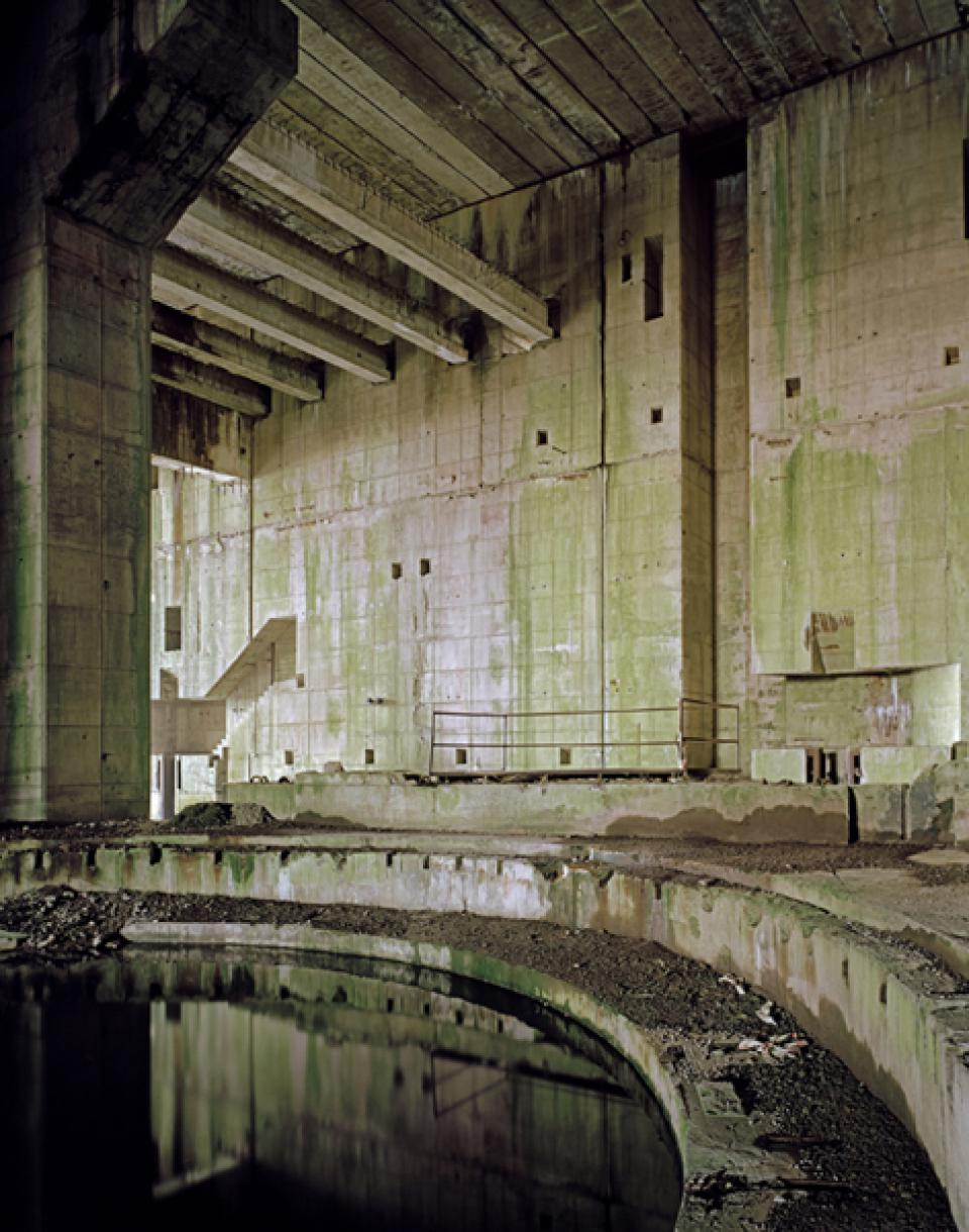 Bunker  05 , 2005/06,Digital C-Print on Alu-Dibond,100 x 127 cm